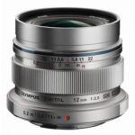 image produit Olympus M.Zuiko Objectif Digital ED 12mm F2.0, focale fixe lumineuse, compatible tout appareil Micro 4/3 (modèles Olympus OM-D & PEN, Panasonic G-series), Argent