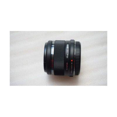 image Olympus M.Zuiko Objectif Digital 25mm F1.8, focale fixe lumineuse, compatible tout appareil Micro 4/3 (modèles Olympus OM-D & PEN, Panasonic G-series), Noir