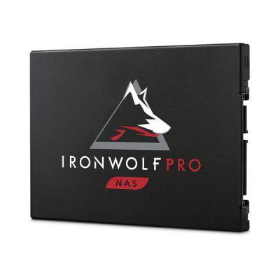 "image Seagate IronWolf Pro 125 SSD, 3,84 To, SSD interne NAS, 2,5"" SATA 6 Gbits/s, vitesses jusqu'à 545 Mo/s, endurance 1 DWPD, services Rescue valables 3 ans (ZA3840NX1A001)"