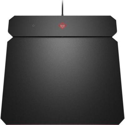 image HP OMEN Outpost Tapis de Souris Gaming (Fonction Charge Sans Fil Qi Intégrée, 34,6 cm x 34,4 cm, Fin, Réversible, Éclairage LED RVB) - Noir